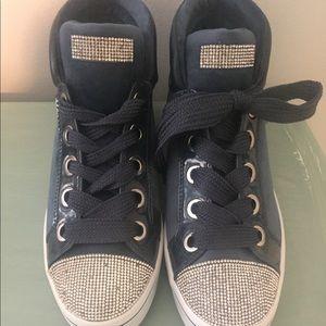 Sketches velvet vixen sneakers